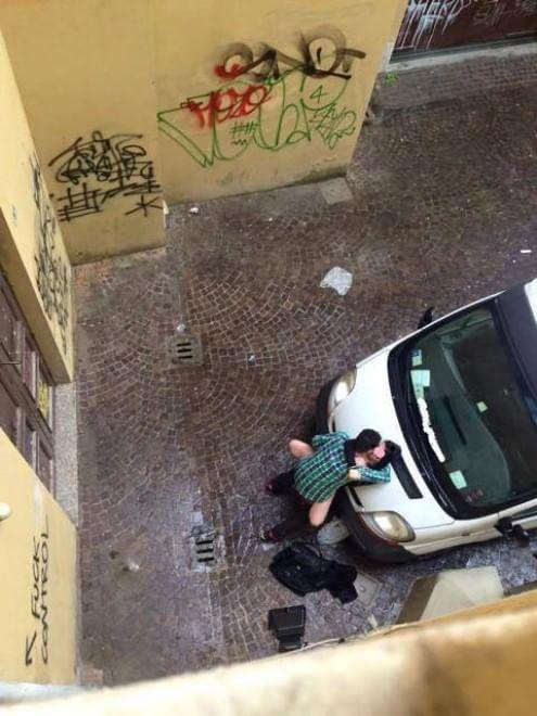 Bologna sesso in strada in pieno giorno in via Del Guasto