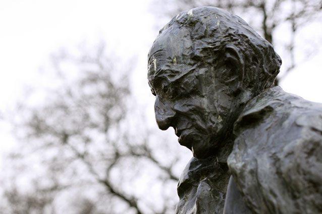 Il governo ungherese odia la filosofia rimossa la statua