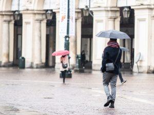 Previsioni meteo 20 ottobre: pioggia e nebbia al Nord e nuvole al Sud, da giovedì cambia tutto