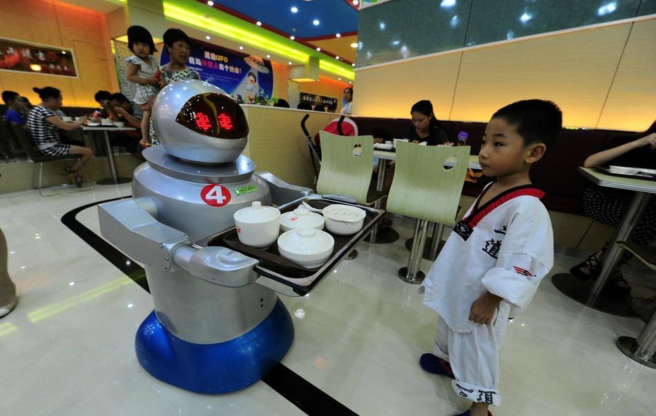 Cina ecco il pi grande ristorante di robot al mondo