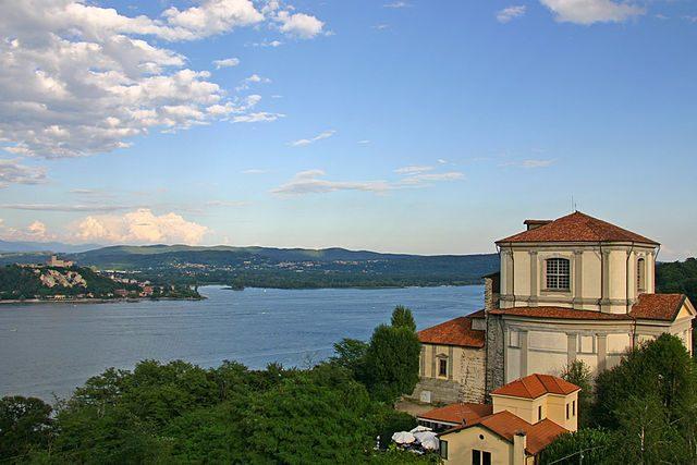 Cosa vedere ad Arona perla piemontese del Lago Maggiore