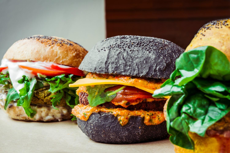 Milano lhamburger diventa vegano ha aperto il Flower Burger