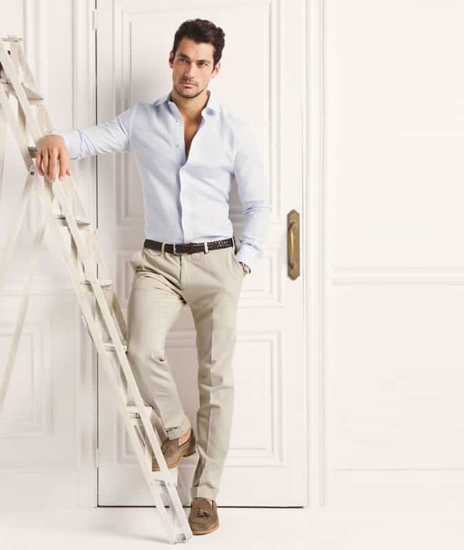 Men's Light Chinos and Linen Shirt With Loafers Outfit