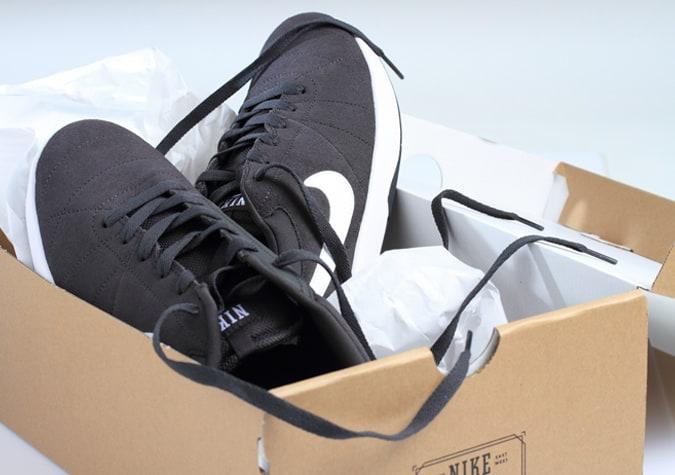 Boîte à chaussures Nike