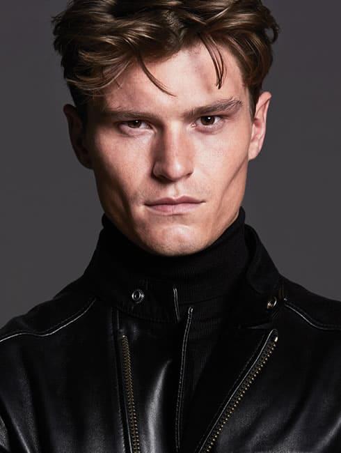 Oliver Cheshire, Model
