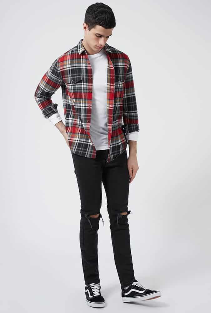 Jeans déchirés look grunge