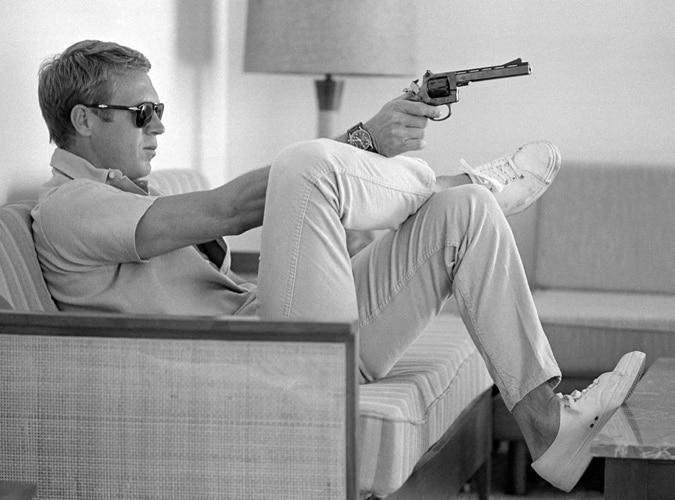 Steve McQueen en jean blanc