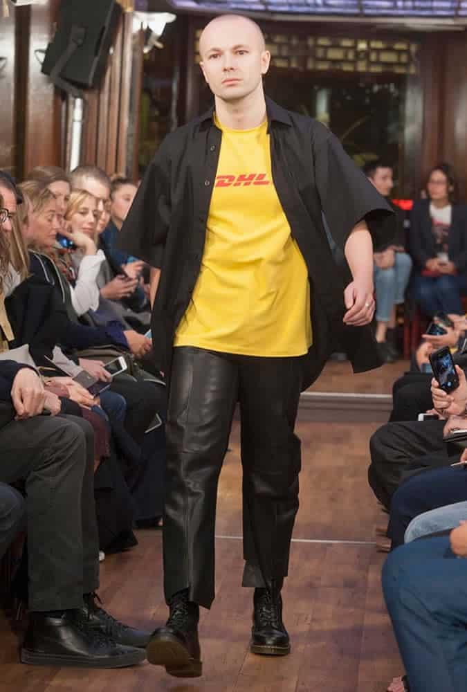 T-shirt Vetements DHL