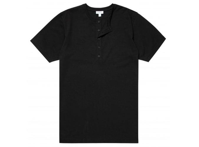 T-shirt Henley en coton bio pour hommes en noir
