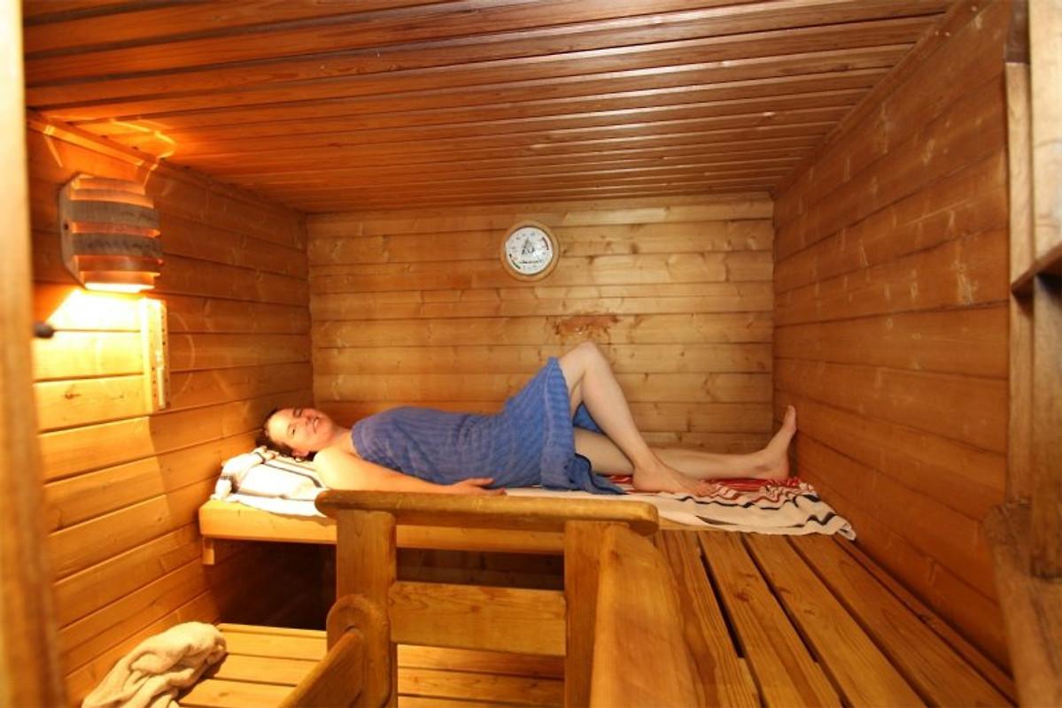 Fewo mit Hallenbad Sauna Dampfbad in Zell Mosel  Firma Ferienhaus Simonis Herr Oliver