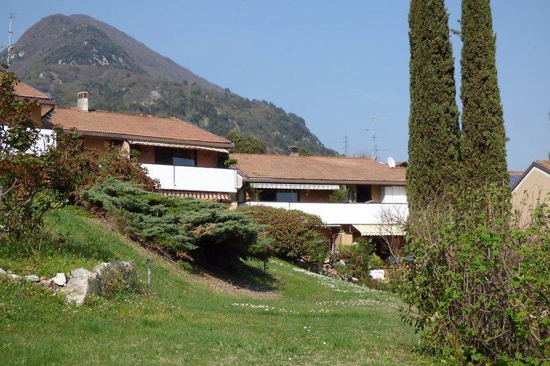 TRE CIPRESSI In Riva Del Garda