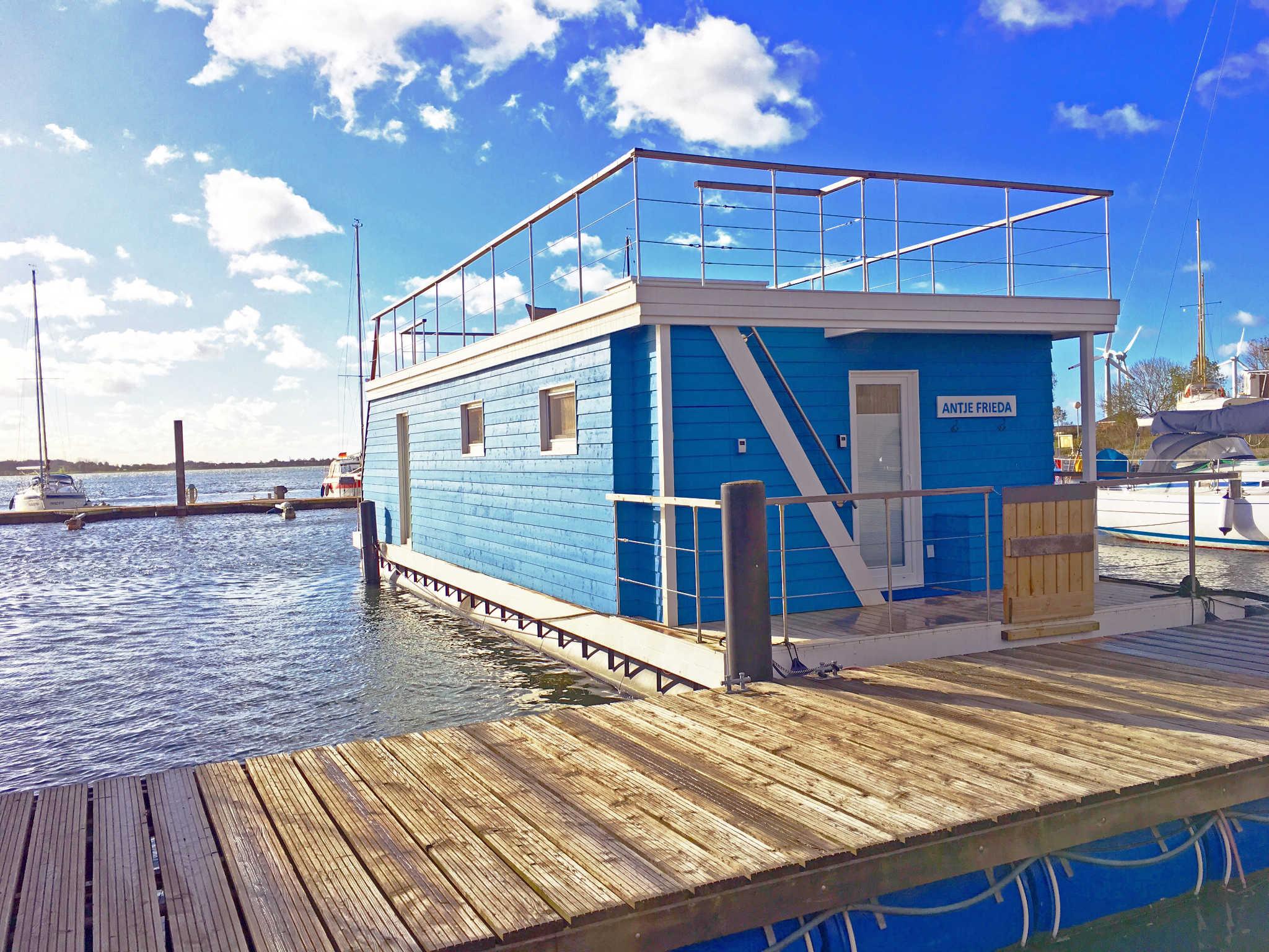 Ferienhaus Ostsee 15 Schlafzimmer  Direkte Strandlage 15 M Zum