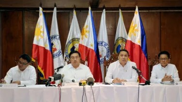 Philippines, US talk troops amid South China Sea tensions