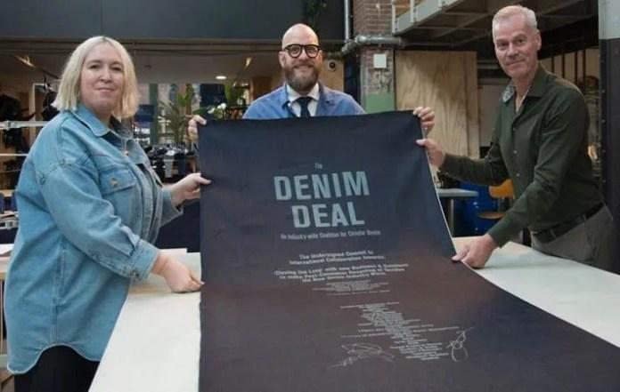 Amsterdam city, public bodies, firms sign 'Denim Deal'