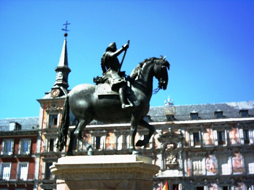Estatua (Plaza Mayor)