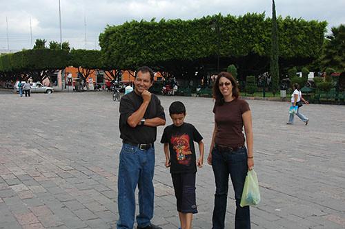 Acambaro - 02 Gang in plaza