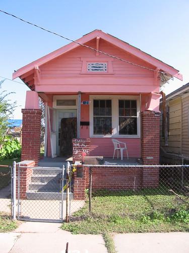 821 Gordon Street