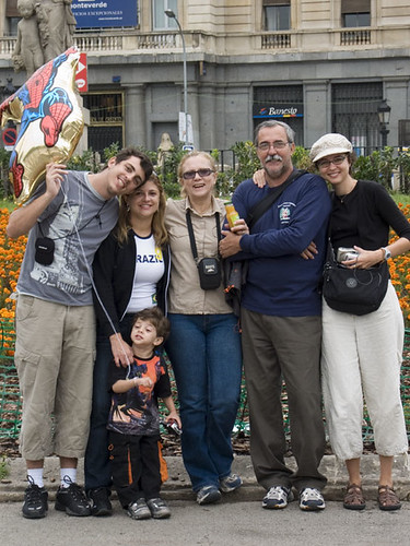 Familia in Plaza Catalunya