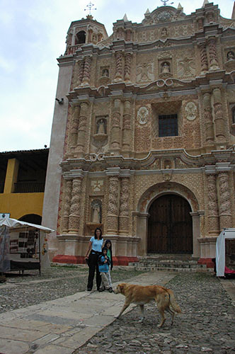 San Cristobal de las Casas - 02 Templo Santo Domingo with Dog
