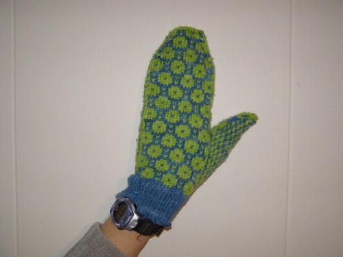 Estonian-inspired mitten #1, on me!