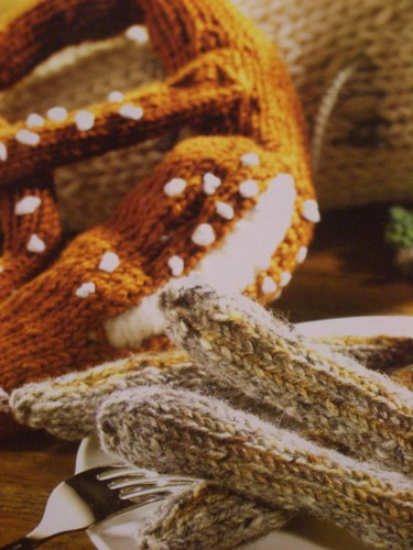 crocheted pretzl / häkelbrezel