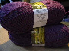 royal-purple-yarn