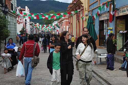 San Cristobal de las Casas - 04 Pedestrian street full of flags