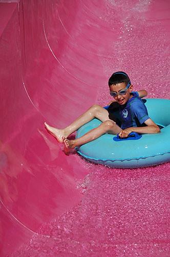 Big Sky Waterpark - Nadav in tube slide