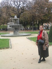 Photo of Lydia with a fountain in the background