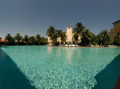Zwembad van het Biltmore Hotel