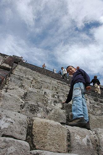 Teotihuacan - 23 - Nadav climbing the pyramid of the moon