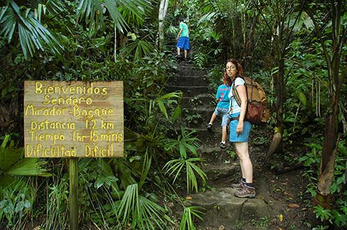 Semuc Champey - 02 Starting climb to Mirador