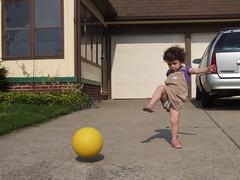 128/365: A good hard kick... (by sarahmichelef)