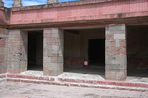 Teotihuacan - 19 - Palace of Quetzal-papalotl
