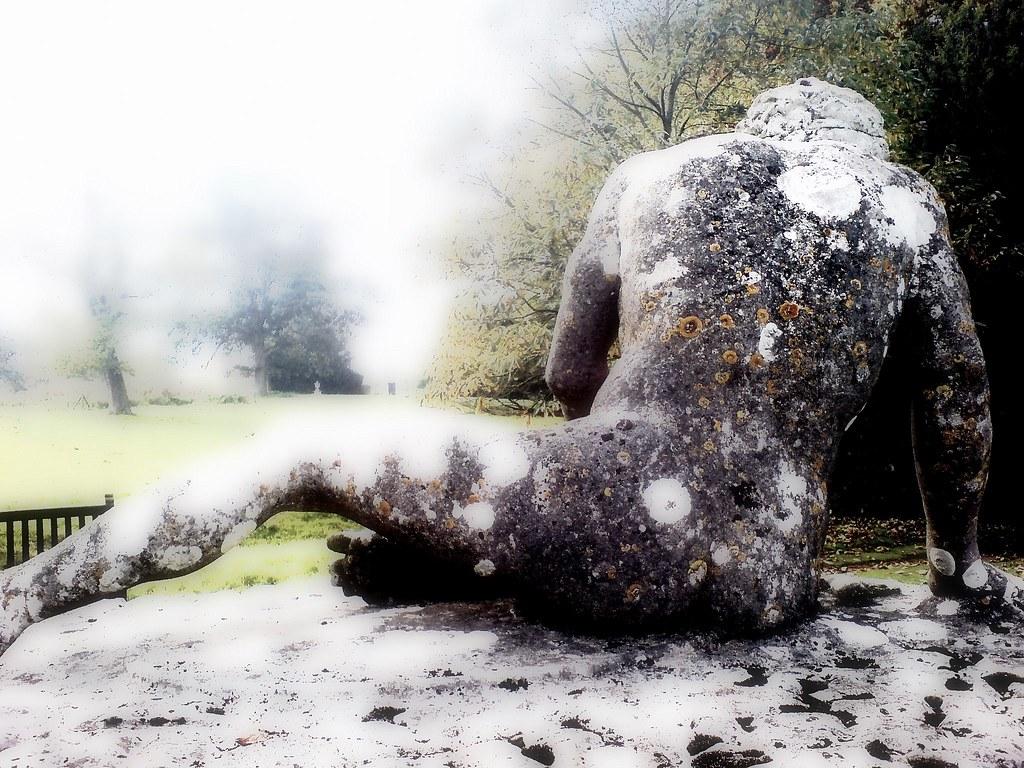 Ortonised statue