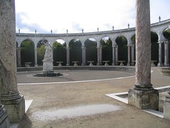 Image of fake Roman ruins at Versailles