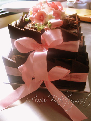 all-choc.-wedding-cakes - square
