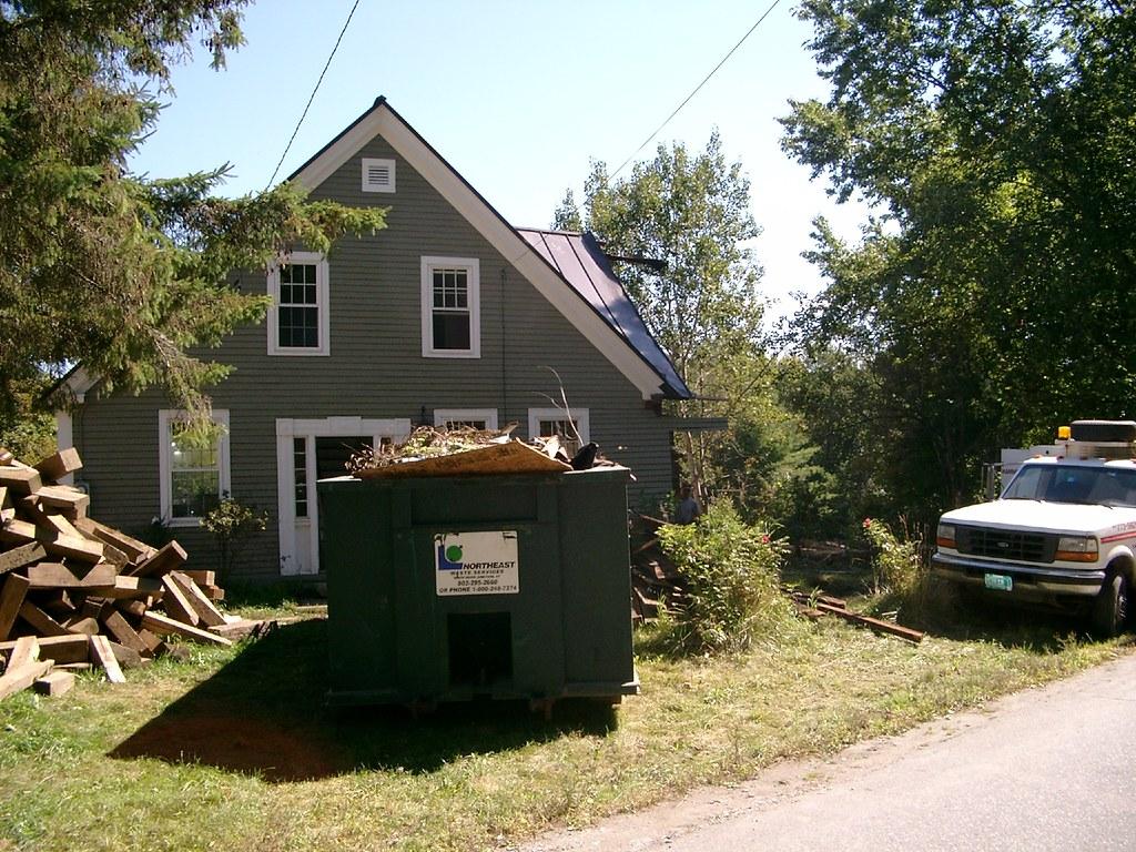 Scenic front yard - 3
