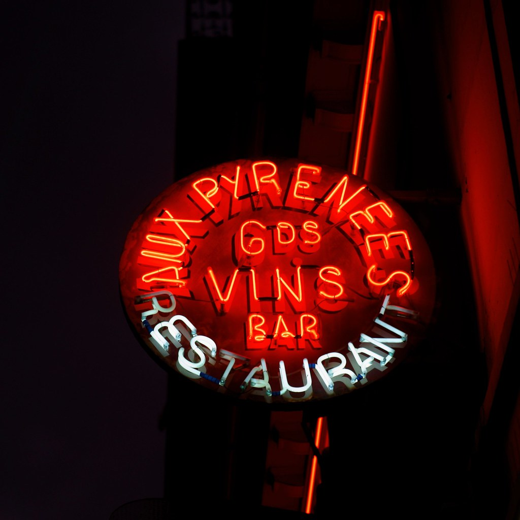 Neon sign, Paris