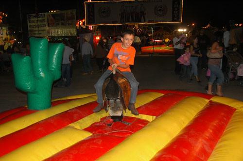 Chihuahua Feria - 07 - Nadav on Mech Bull