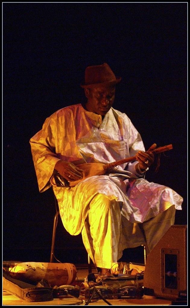 Ngoni player