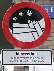 prohibido fumar a moros