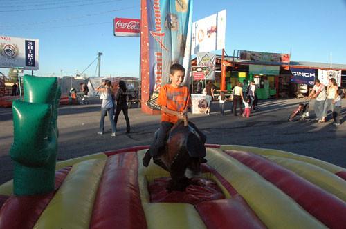 Chihuahua Feria - 01 - Nadav on Mech Bull