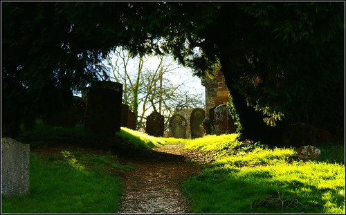 Swerford churchyard