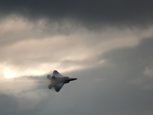 F22 Raptor turning