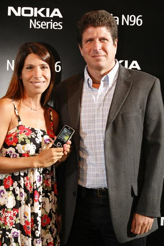 Dolores Cahen D'Anvers + Luis Kovalsky-Director de Marketing de Nokia Argentina