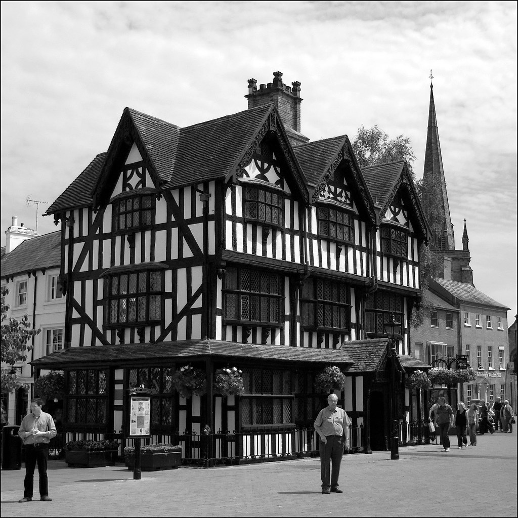 The Black and White House | Hereford
