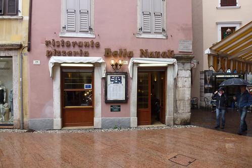 Bella Napoli, Riva