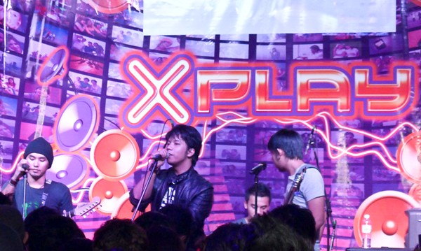 Celcom Xplay Shout