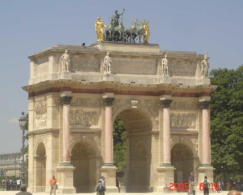 Structure in Paris
